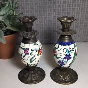 Set of Two Candlesticks READ
